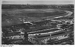 Bundesarchiv Bild 146-2008-0010, Berlin, Zentralflughafen, Luftaufnahme.jpg