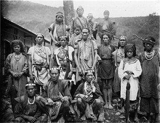 Bunun people - Bunun in 1900. Photograph by Torii Ryūzō.