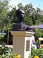 Bust of Vincent Van Gogh ramsgate, spencer square unveiling 2.jpg