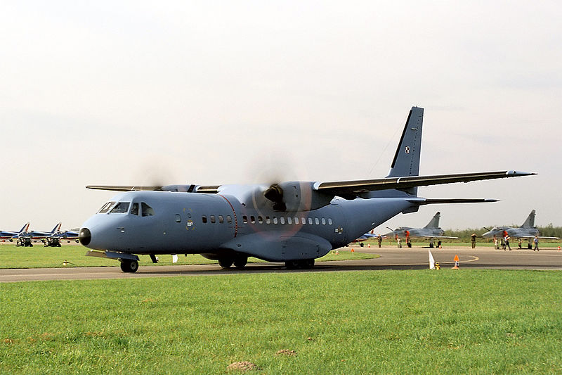 Grafika:CASA C-295 of Polish Air Force, Radom AirShow 2005, Poland.jpg