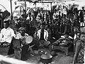 COLLECTIE tropenmuseum Een wajang voorstelling Golek reunió gamelanbegeleiding en Lebong Donok TMnr 60023062.jpg