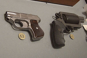 MIL Thunder 5 - Image: COP 357 derringer and Thunder 5 revolver