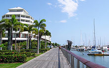 Cairns Esplanade - Pier (Shangrila Hotel)