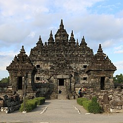 Candi Plaosan Lor (North Plaosan Temple) from Klaten, Central Java, Indonesia cropped.jpg