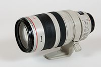 Canon EF 28-300 L IS horizontal-view.jpg