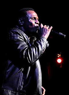 Carl Thomas at Legends of Bad Boy concert.jpg
