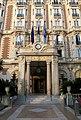 Carlton-Cannes-porche-gb.JPG