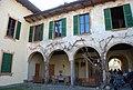 Castello Visconteo Castelletto sopra Ticino, cortile.jpg