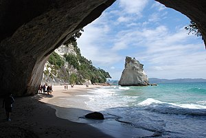 The Chronicles of Narnia: Prince Caspian - The Pevensies' return to Narnia was shot at Cathedral Cove because of an arch which mirrors the train tunnel the children are transported from