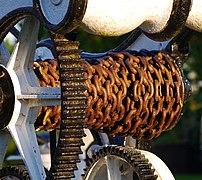 Chain on a Crane (geograph 3494260).jpg