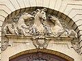Chantilly, Oise, Fr, hémicycle du duc d'Aumale.jpg