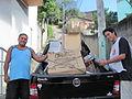 Chegada de materiais de doação ao centro comunitário Vital Brazil.JPG
