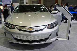 Chevrolet Volt (second generation) - Frontal view of the 2017 model year Chevrolet Volt.
