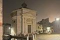 Chiesa La Maddalena a Venezia notte con nebbia.jpg