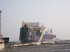 Ship breaking - Image: Chittagong Ship breaking yard