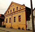 Chorzów, Plac Jana 6, jeden z domów w zespole osady robotniczej (układ przestrzenny pl. św. Jana), 1 poł. XIX w. Nr ID 639273.jpg