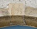 Clé de linteau datée de 1895.jpg