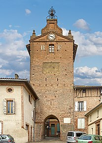 Clock tower of Verdun-sur-Garonne.jpg