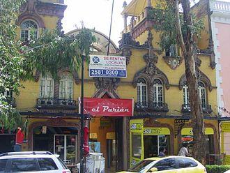 El Parián (shopping arcade) - Facade of El Parián. Álvaro Obregón 130 between Jalapa and Orizaba