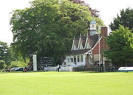 Cricket pavilion in University Parks, Oxford.jpg