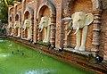 DGJ 4371 - Chiang Mai Aquarium and Zoo (3739257764).jpg