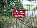 DSC02184 Cluny (Saône-et-Loire, Fr) Lycée sans tabac.JPG