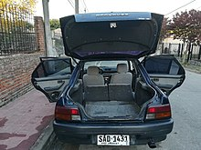 Daihatsu Applause trunk.jpg