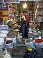 Damaskus, Shopping im Souq, Gewürze (38674764362).jpg