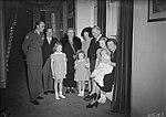 De Canadese premier Mackenzie King temidden van de Koninklijke Familie, Bestanddeelnr 902-4509.jpg