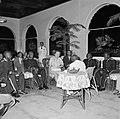 De granmans van de boslandcreolen op audiëntie bij de koningin in het gouverneme, Bestanddeelnr 252-4499.jpg