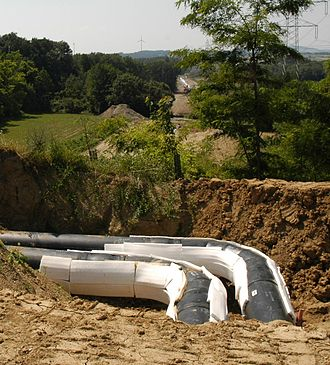 Insulated pipe - Elbow with foam pads of a District heating pipeline with a steel tube diameter of 400 mm installed in Lower Austria