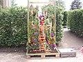 Dekoration Florales Objekt - panoramio - Arnold Schott (1).jpg