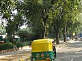 Delhi's CNG Auto Rikshaw - panoramio.jpg