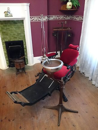 Cape Medical Museum - Dentistry room operation chair