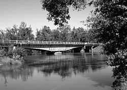 Deweyville Swing Bridge 1.jpg