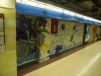 Provença–Diagonal station - Image: Diagonal mural