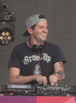 Dillon Francis at Spring Awakening 2014.jpg