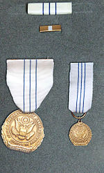 DoS Distinguished Honor Award Medal Set.jpg