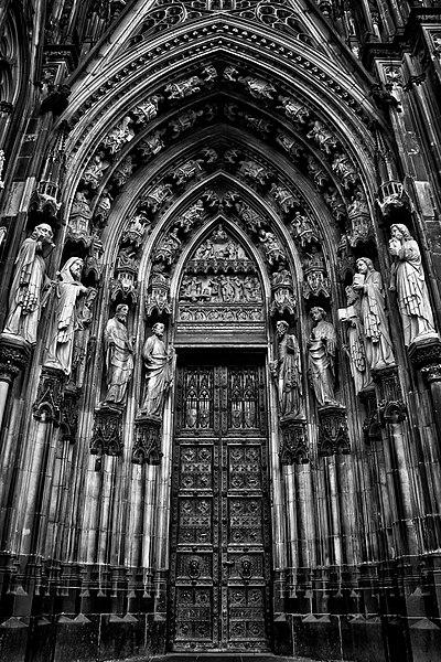 File:Dom Door - Cologne.jpg