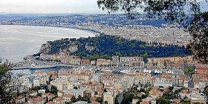 Nizza, il porto, il castello e le colline