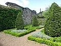 Dunbar's Close Gardens Edinburgh - panoramio (5).jpg