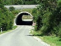 Durchlass unter der A 94 bei Ammerthal - geo-en.hlipp.de - 12974.jpg