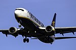 EI-DLD 737 Ryanair SCQ 02.jpg
