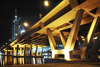 Bayfront Avenue - Bayfront Bridge