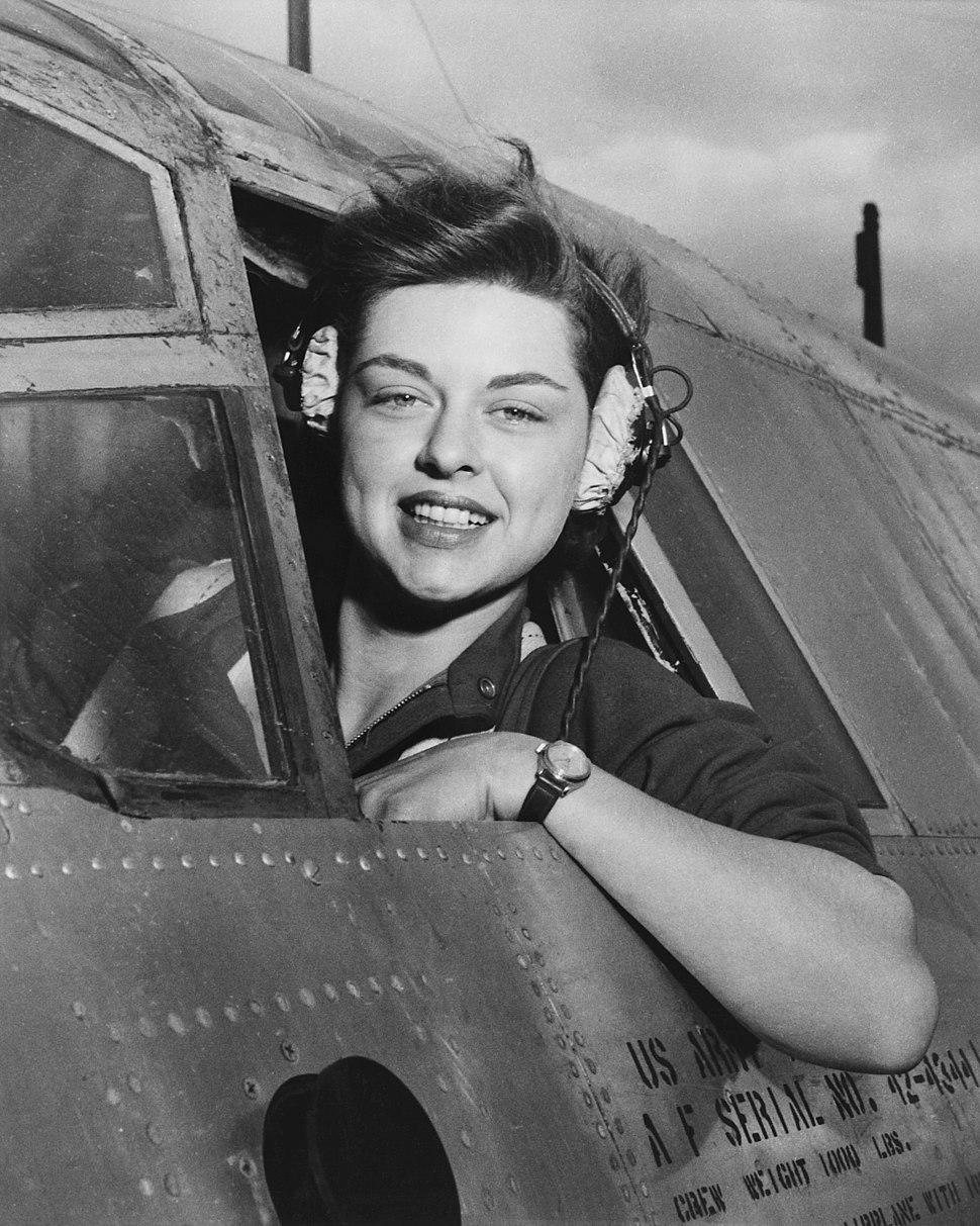Elizabeth L. Remba Gardner, Women's Airforce Service Pilots, NARA-542191
