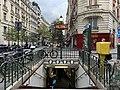 Entrée Station Métro Jasmin Paris 4.jpg