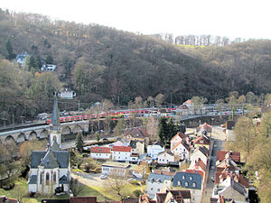 S2 (Rhine-Main S-Bahn) - Crossing the valley at Eppstein