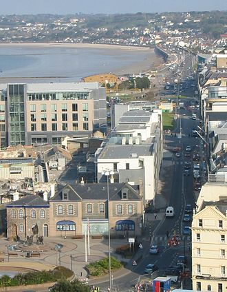 Roads in Jersey - Looking west along part of the Esplanade (A1) and Victoria Avenue (A2)