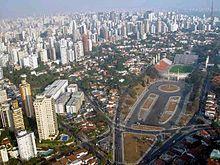 A cidade de São Paulo é um exemplo de urbanização não planejada.