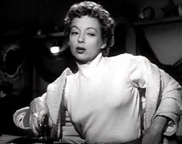 Evelyn Keyes in 99 River Street